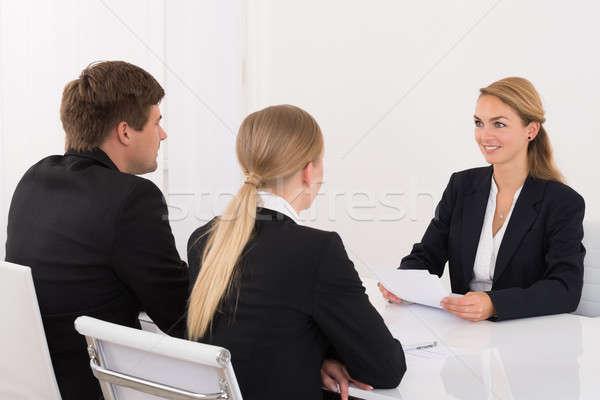 Manager aanvrager kantoor jonge mannelijke vrouwelijke Stockfoto © AndreyPopov