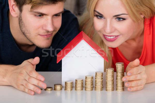 Stock fotó: Pár · ház · modell · egymásra · pakolva · érmék · fiatal