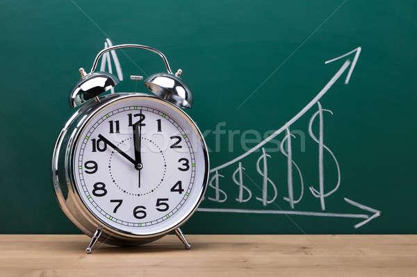 クローズアップ 目覚まし時計 木製 デスク 教室 お金 ストックフォト © AndreyPopov