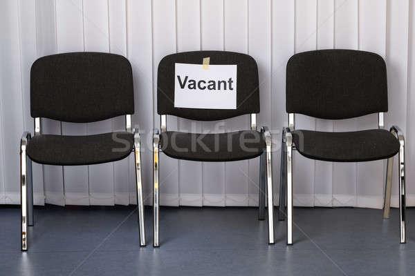 Bureaustoel vacant teken werk plaats kantoor Stockfoto © AndreyPopov