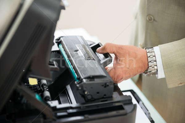 üzletember megjavít patron gép közelkép iroda Stock fotó © AndreyPopov