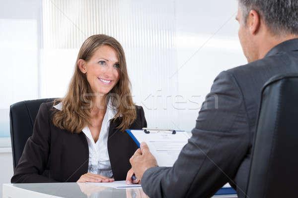 Manager vrouwelijke aanvrager volwassen kantoor vrouw Stockfoto © AndreyPopov