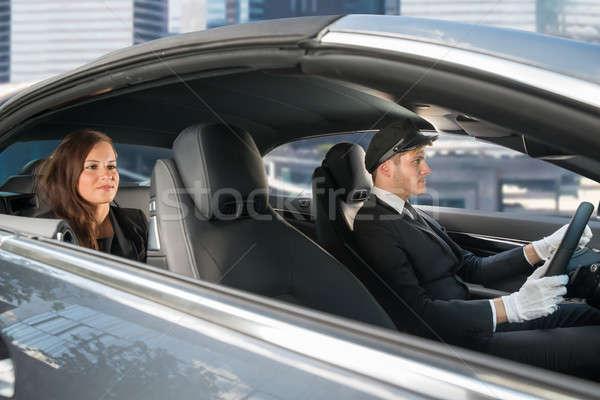 Jonge vrouw paardrijden auto chauffeur mooie Stockfoto © AndreyPopov