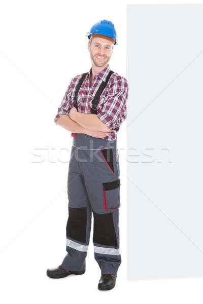 Manual trabajador pie los brazos cruzados retrato Foto stock © AndreyPopov