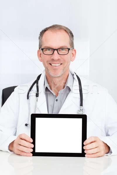 Stock fotó: Orvos · mutat · digitális · tabletta · boldog · érett