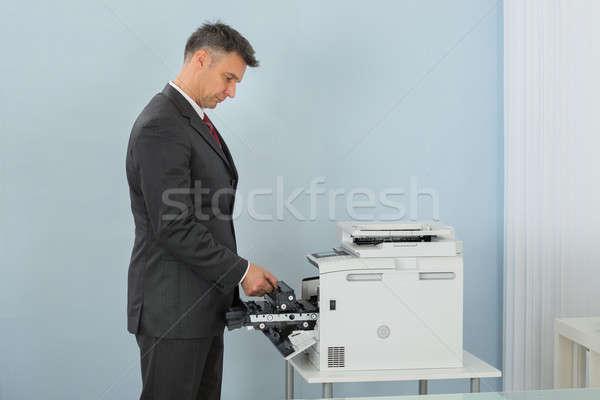 üzletember megjavít patron nyomtató gép iroda Stock fotó © AndreyPopov