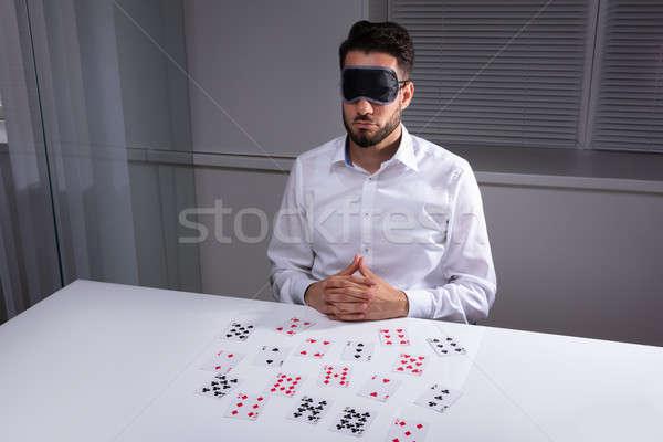 目隠し ビジネスマン 読む カード オフィス 白 ストックフォト © AndreyPopov