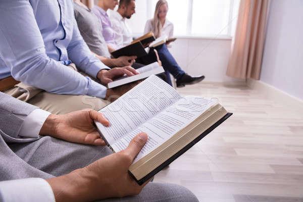Stock fotó: Középső · rész · kilátás · emberek · olvas · Biblia · szent