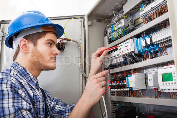 Foto stock: Técnico · vista · lateral · masculino · tecnologia · caixa