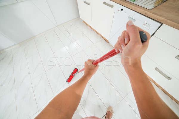 Kadın temizlik kir zemin süpürge ilk Stok fotoğraf © AndreyPopov