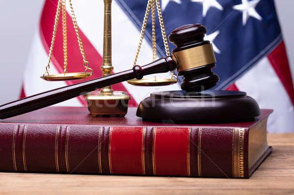 ストックフォト: 法 · 図書 · 正義 · 規模 · 木製 · デスク