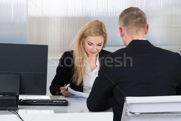 女性実業家 仕事 申請者 デスク 小さな オフィス ストックフォト © AndreyPopov