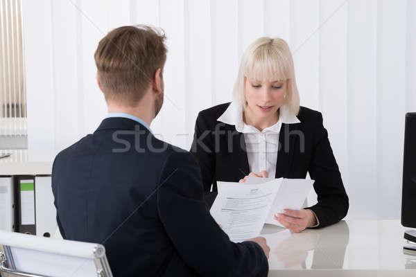 Kobieta interesu mężczyzna kandydat młodych Zdjęcia stock © AndreyPopov