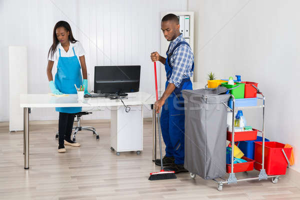 Сток-фото: мужчины · женщины · очистки · служба · молодые · африканских