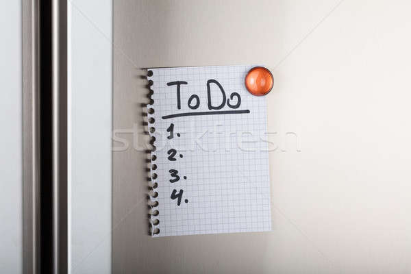 To do list bevestigd oranje magnetisch papier Stockfoto © AndreyPopov