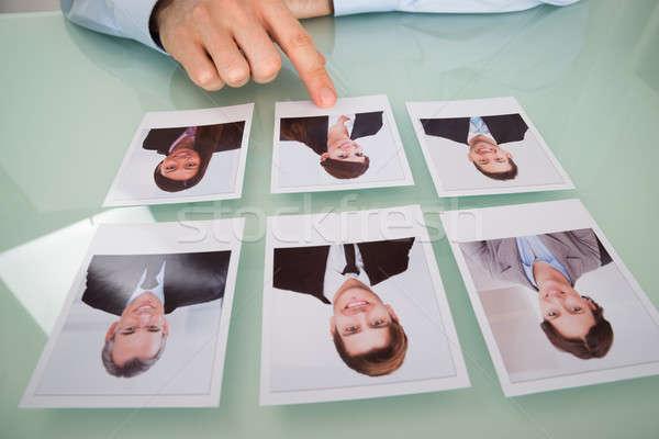 üzletember kéz választ fénykép jelölt közelkép Stock fotó © AndreyPopov
