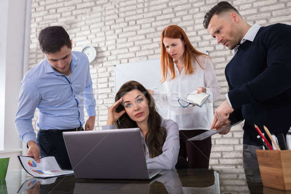 Сток-фото: деловой · женщины · коллега · молодые · сердиться · служба