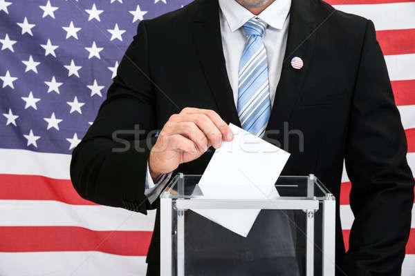 Persoon stemmen glas vak Amerikaanse vlag Stockfoto © AndreyPopov