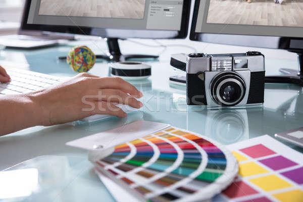 Stok fotoğraf: El · çalışma · ofis · renk · kamera