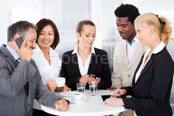 üzletemberek elvesz törik csoport boldog üzlet Stock fotó © AndreyPopov