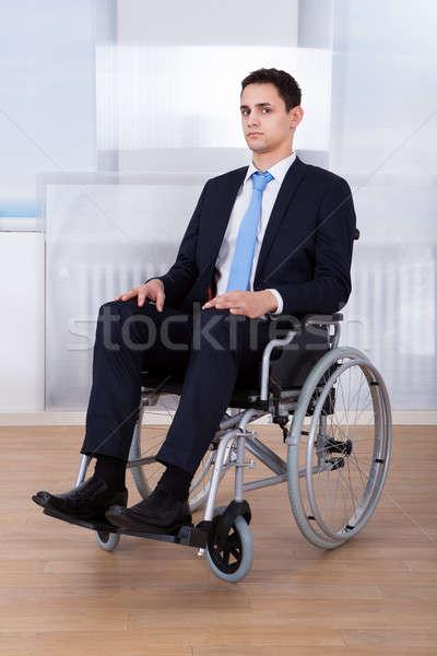 ストックフォト: ビジネスマン · 座って · 車いす · 肖像 · 無効になって · オフィス