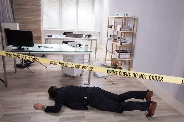 Halott test padló citromsárga bűnügyi helyszín szalag Stock fotó © AndreyPopov