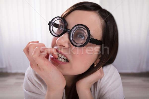 Nerd Frau beißen Fingernägel tragen Stock foto © AndreyPopov
