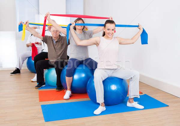 Mensen weerstand vergadering fitness portret Stockfoto © AndreyPopov