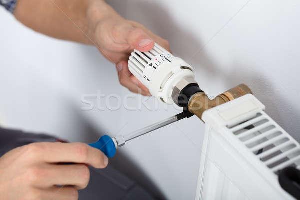 Stok fotoğraf: Erkek · tesisatçı · termostat · tornavida