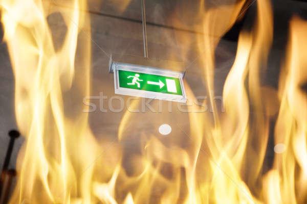 Gebäude Feuer Ansicht Notfall exit sign Stock foto © AndreyPopov
