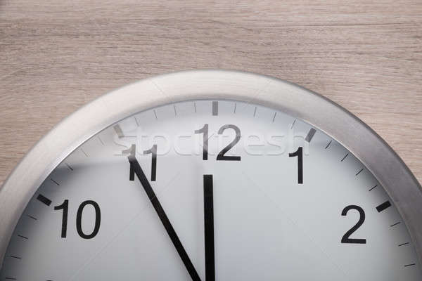Relógio cinco meio-dia ver Foto stock © AndreyPopov