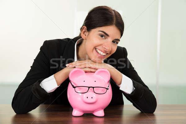 Сток-фото: деловая · женщина · столе · молодые · счастливым · розовый