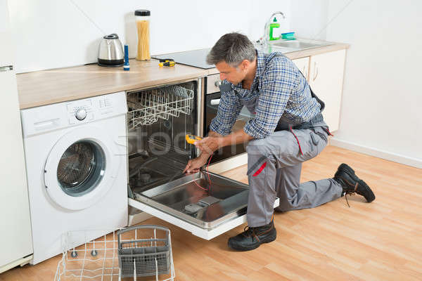 Bulaşık makinesi dijital tam uzunlukta ev hizmet Stok fotoğraf © AndreyPopov