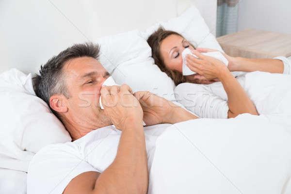 Photo stock: Couple · souffrance · froid · moucher · dormir · lit