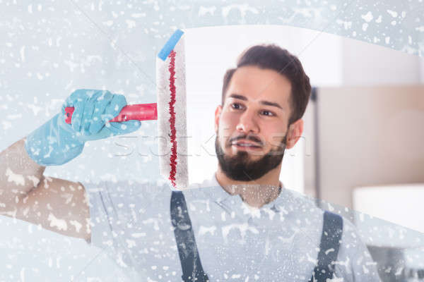 Limpeza janela jovem masculino sabão Foto stock © AndreyPopov