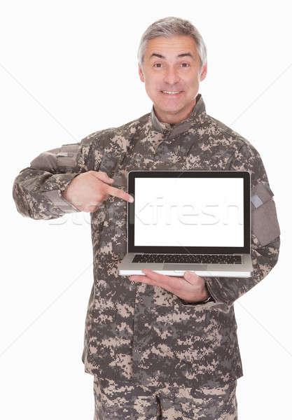 Stok fotoğraf: Olgun · asker · dizüstü · bilgisayar · yalıtılmış · beyaz
