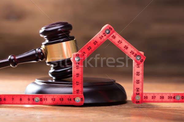 Stock fotó: Ház · igazság · kalapács · piros · mérőszalag · fából · készült