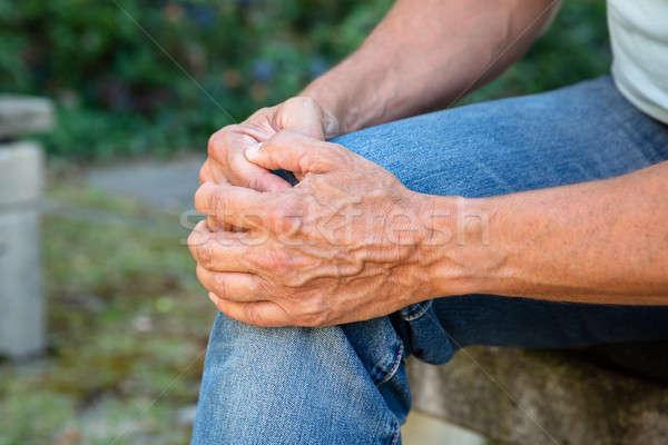 Człowiek cierpienie kolano ból szkoda Zdjęcia stock © AndreyPopov