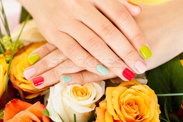 Stockfoto: Vrouwelijke · hand · bloem · nagel · vernis