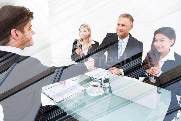 Menedzser kezet fog jelölt dupla kitettség üzletasszonyok Stock fotó © AndreyPopov