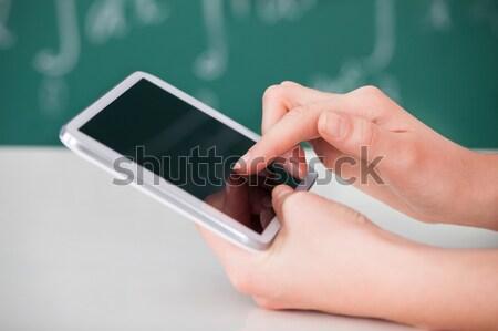 Stockfoto: Vrouw · digitale · tablet · klas · afbeelding · jonge · vrouw
