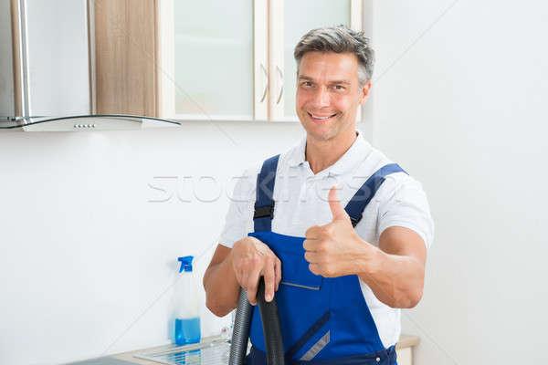 Szczęśliwy woźny kuchnia portret Zdjęcia stock © AndreyPopov