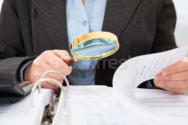 Сток-фото: увеличительное · стекло · бизнеса · бумаги