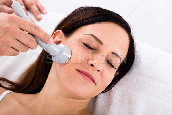 Vrouw therapie voorhoofd gezicht Stockfoto © AndreyPopov