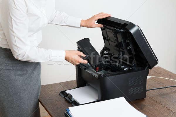 деловая женщина лазерного картридж принтер бизнеса Сток-фото © AndreyPopov