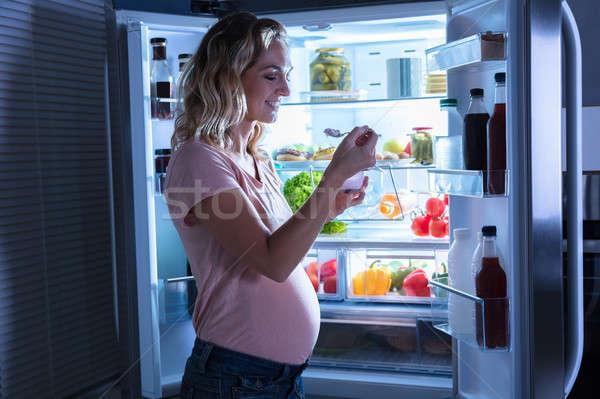 Stockfoto: Vrouw · eten · ijs · jonge · zwangere · vrouw · Open
