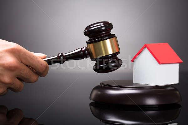 судья молоток стороны дома модель Сток-фото © AndreyPopov