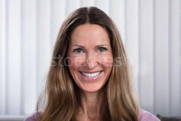 Portre olgun kadın gülen ev yüz model Stok fotoğraf © AndreyPopov