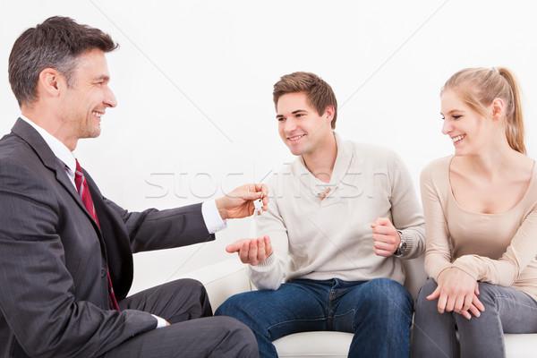пару агент по продаже недвижимости дома ключевые Сток-фото © AndreyPopov