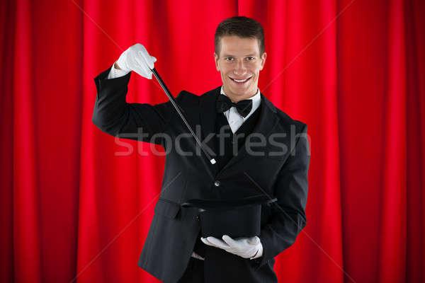 Mágico truque de mágica jovem feliz seis Foto stock © AndreyPopov